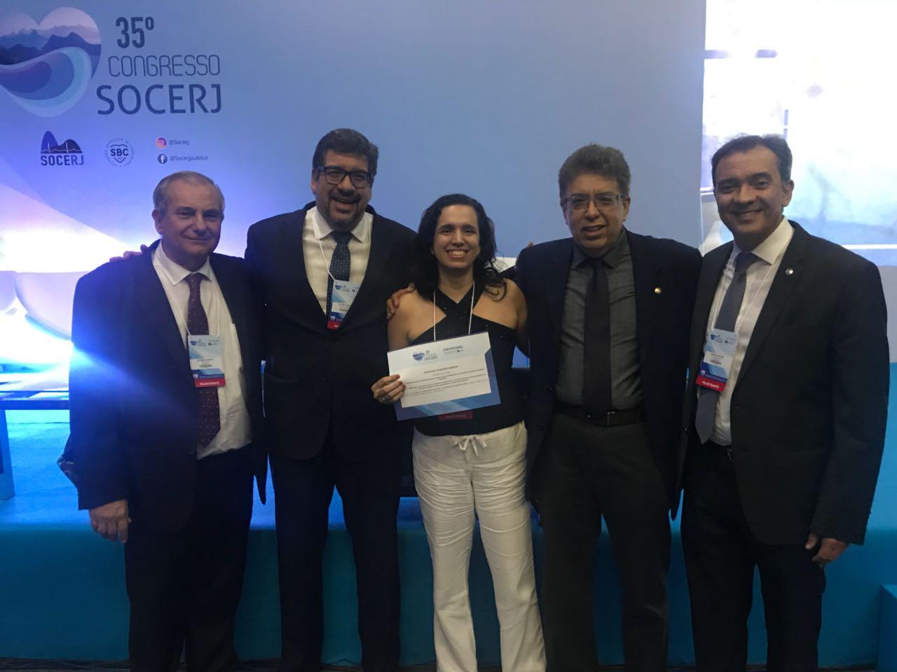 Aluna de doutorado, Renata Félix, recebe prêmio de melhor trabalho no 35o Congresso SOCERJ